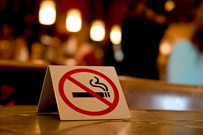 no smoking sign in bar 9-26-12